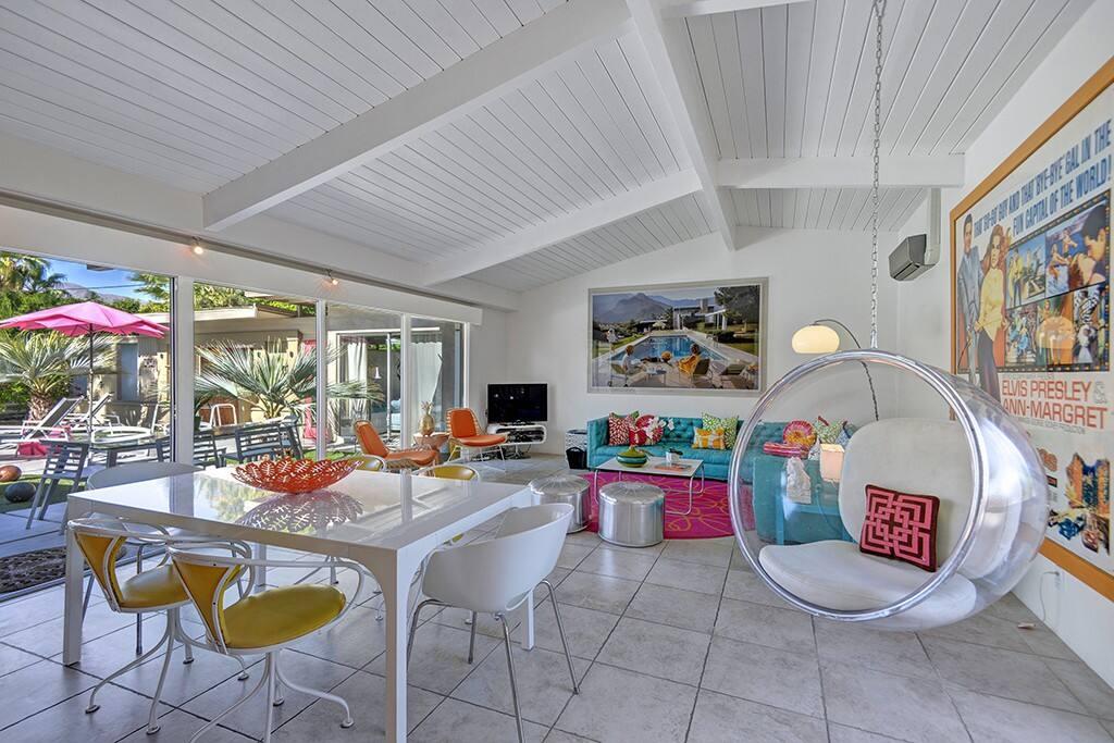 GREAT ROOM TO YARD - OCEAN'S 11 - PALM SPRINGS VACATION RENTAL POOL HOME