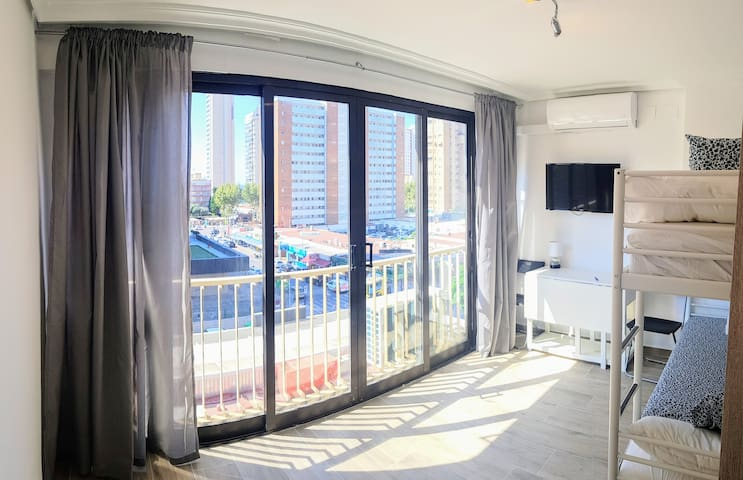 New apt in pubs zone and Playa del Levante!