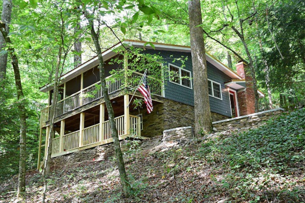 Waterfall cottage at cane creek falls cabins for rent in for Dahlonega ga cabins for rent