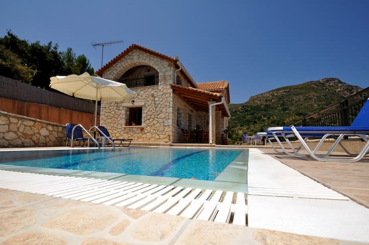 Socrates Three Bedroom Villa with Sea View - Vasilikos - Villa