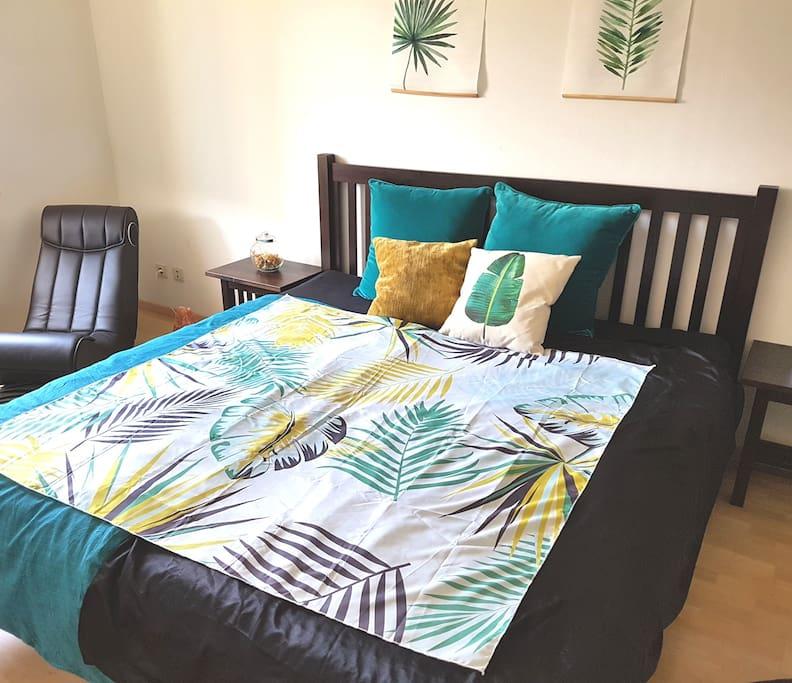 Big and quiet bedroom with big double bed