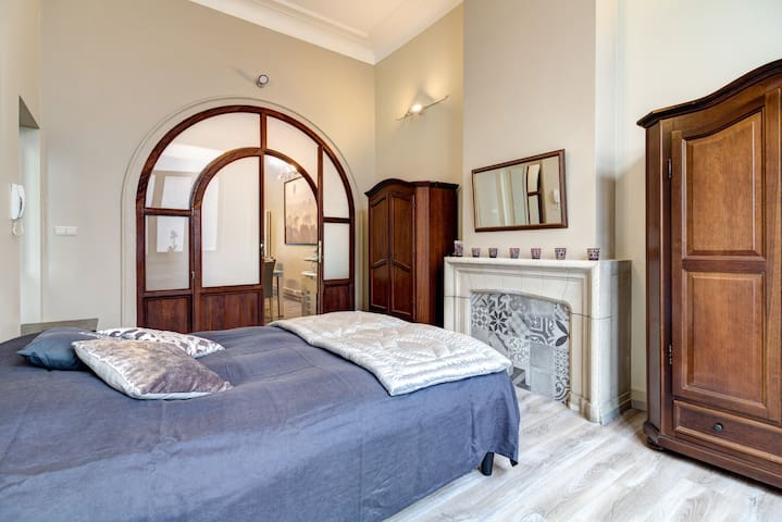 Spacious Office Flat in the centre
