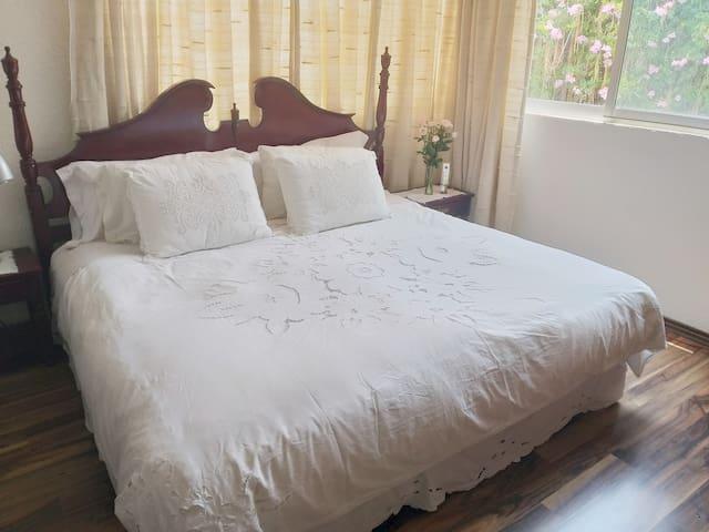 Cómoda habitación, excelente ubicación María Hause