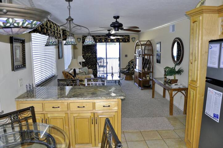 INLET POINTE 1-F FANTASTIC OCEAN VIEWS. POOL,.TENNIS COURT WiFi