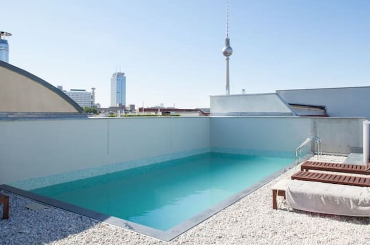 Cool Loft with Pool in Berlin Mitte - Berlin - Condominium