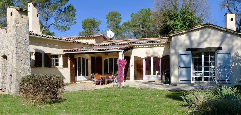 Large Family Villa - sleeps 7 Roquefort-les-Pins - Roquefort-les-Pins - Villa