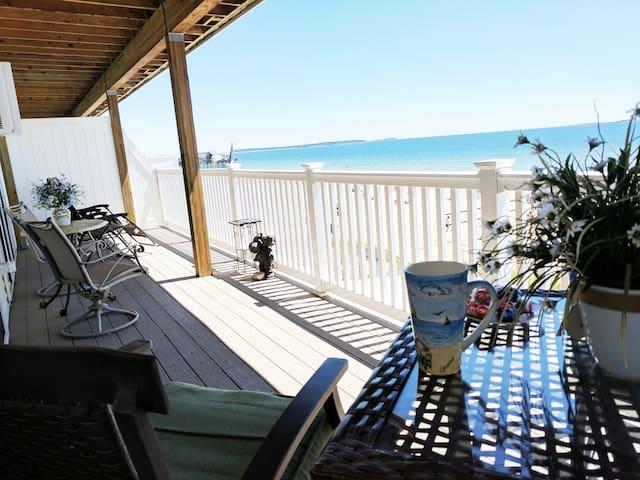 Beachfront  Condo With Incredible Ocean Views!