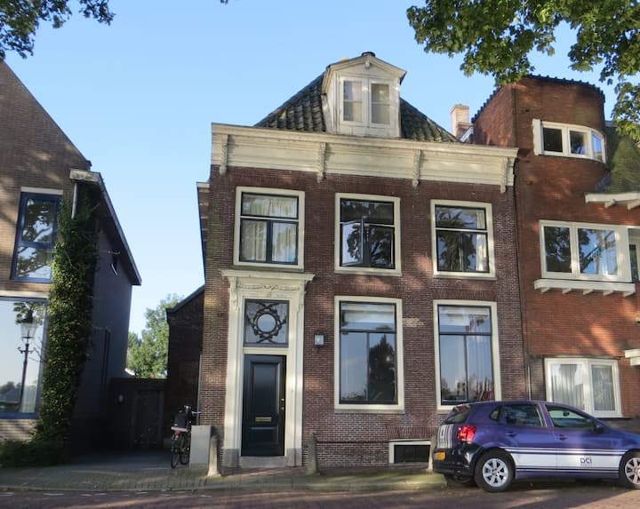 Family house close to Amsterdam with river view.