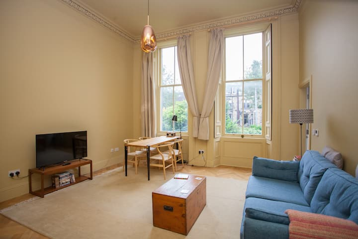 Stunning flat in beautiful, traditional building