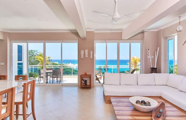 Exclusive 3 BR/5 BA - Penthouse w/ Private Pool