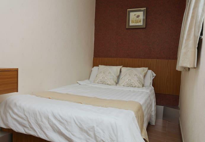 Mongkok, comfortable double beds room