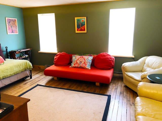 Olga's Airbnb (Coudersport Studio Apartment)