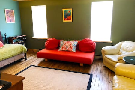 Olga's Airbnb (Coudersport Studio Apartment)