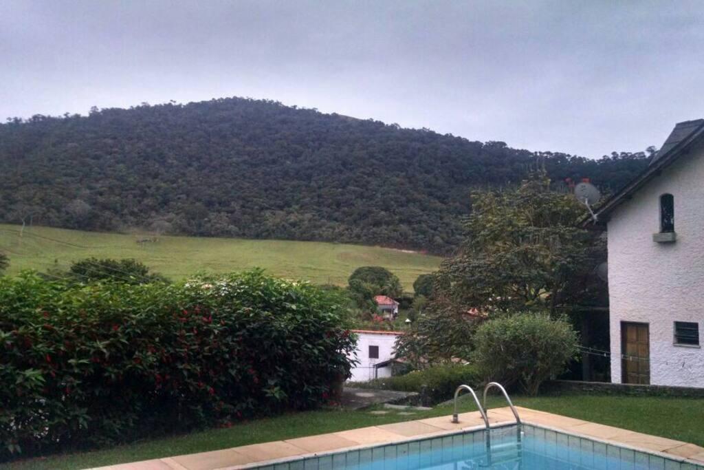 Paisagem vista da piscina