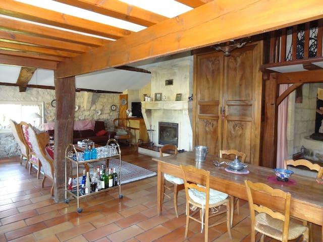 Vaste maison de campagne 200 m2 - Coutras - House