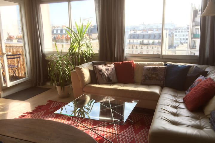 CHARMING APARTMENT WITH SHARED POOL AND SAUNA IN PARIS, FOR 4 PEOPLE