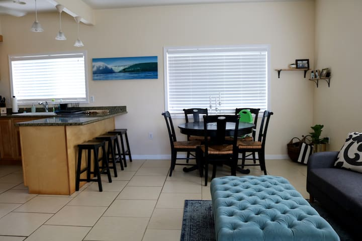 Perfect Location, Clean, Quiet Duplex in Laie!