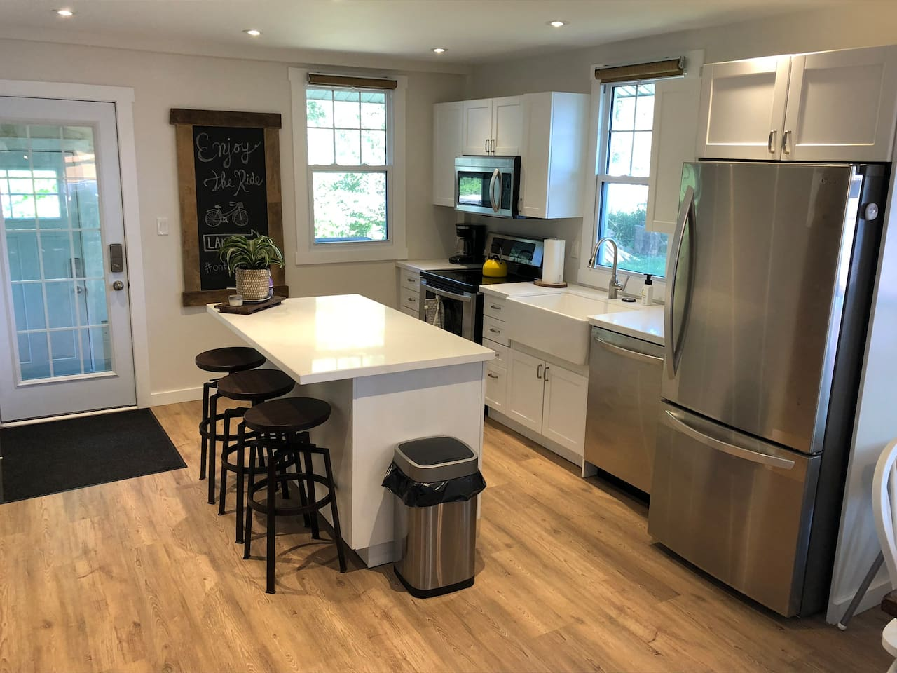 Modern kitchen with stainless appliances....and dishwasher!