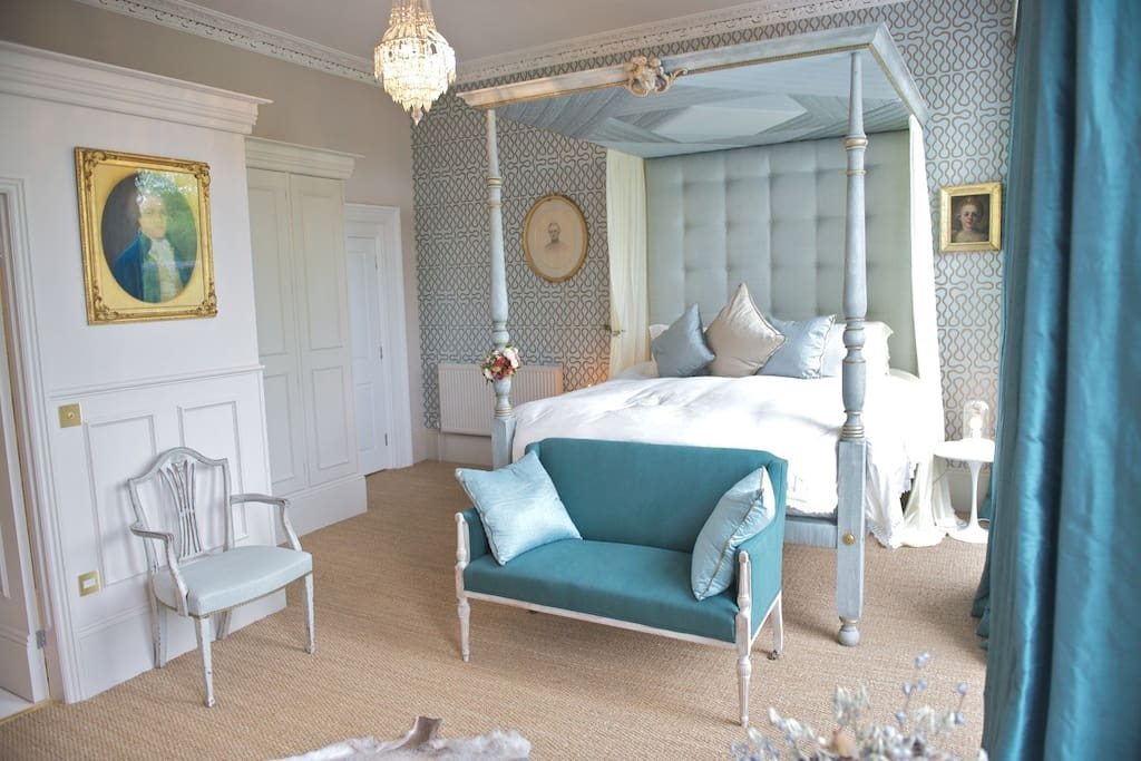 The four poster bedroom overlooks Montpellier Gardens