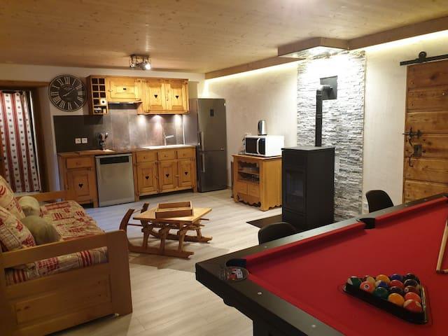 appartement 6 personnes,proche la clusaz,grand bo