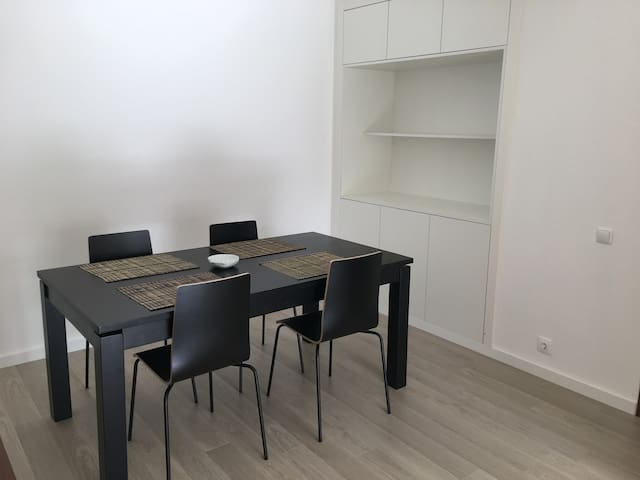T1 apartment, bright and modern. Central location