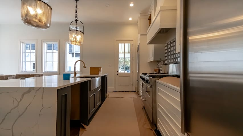 'Stairway to Heaven Cottage' Rosemary Beach Luxury Vacation Home + 1 Minute Walk to Pool +2 Minute Walk to Beach