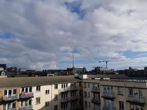 Elegant 1 bedroom with balcony in the city center