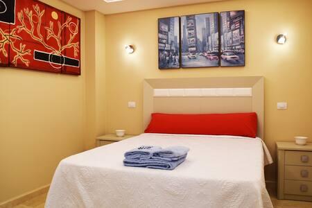 Double room with ensuite bathroom (LVR1P) - Las Palmas de Gran Canaria