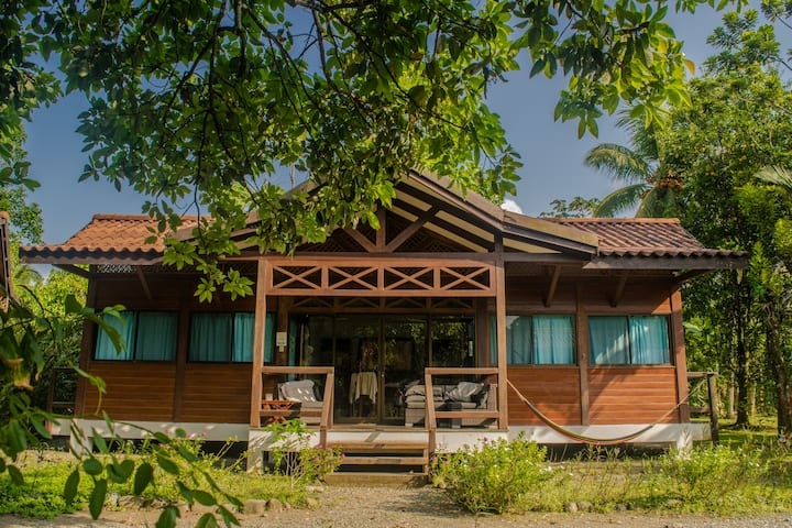 Kenaki Lodge - Casa equipada frente al mar
