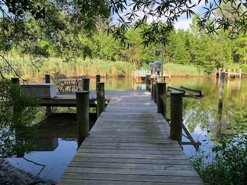 Waterfront Cheerful 6 BR Home with Private Pier