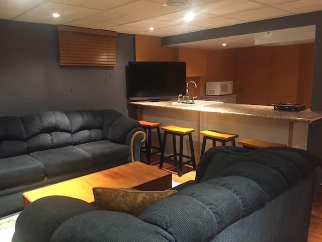 Beautiful Clean Apartment, Safe & Quiet