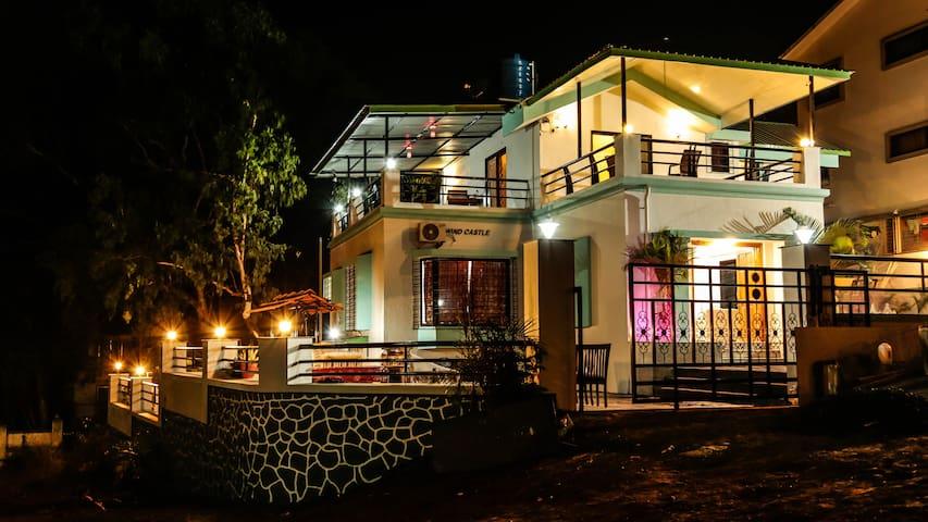 Vista 4BHK Castle - Mahabaleshwar