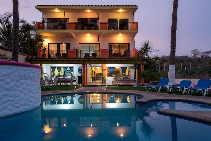 Big Ocean front Villa - Casa Maria 30 pax