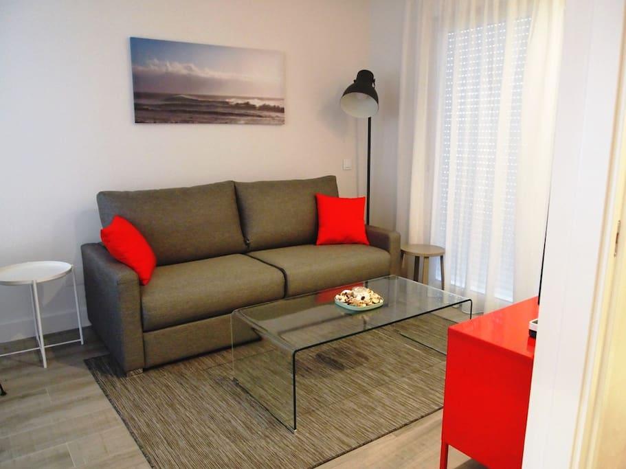 Bonito Salón con sofá cama comodísimo