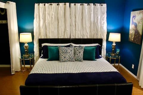 The Bonnie, a Bed and Bay Inn (31 days min)