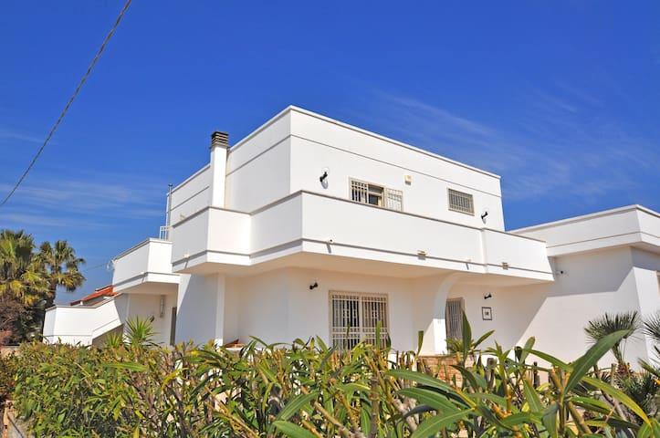 Villa esclusiva sul mare con wifi - Torre Suda - Apartmen