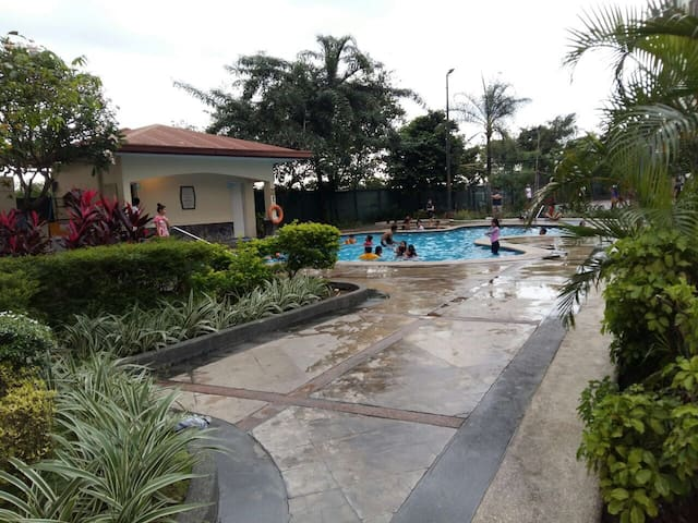 Fully Furnished 1-Bedroom Unit @ Cambridge Village - Cainta
