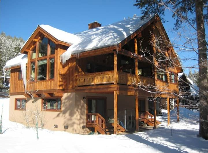 Powder Moon Luxury Home Offering Skiers Special