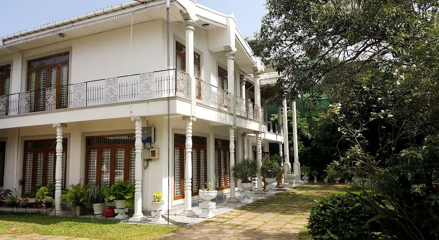 9A Eco Bungalow -Rooms in Spacious Victorian House - Wattala - Casa
