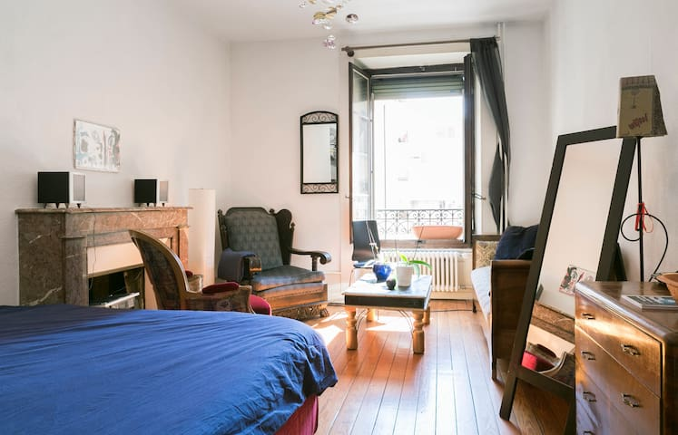 Charming double-room studio in Plain Palais