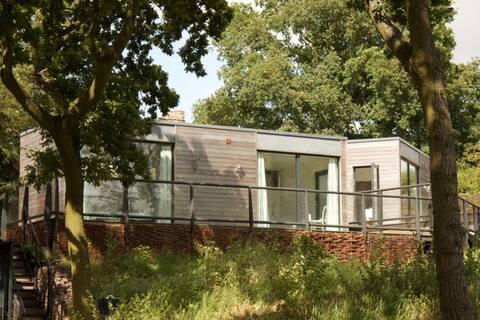 Clophill Eco Lodges' Barn Owl Lodge