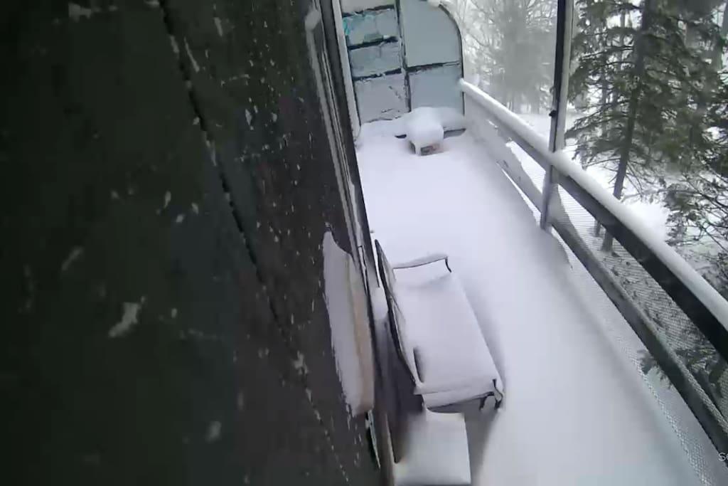 Living room balcony overlooking the ski slopes