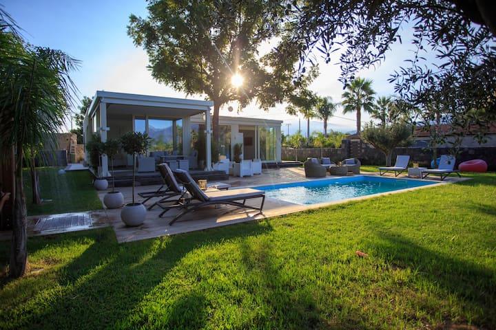 Villa T HolidayEvent