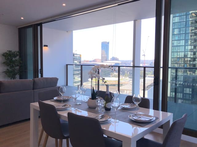 Luxury Darling Harbour 2 bedroom - Fireworks view