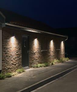 Old Spot Cottage - New 2020 - Pets Ok - Parking