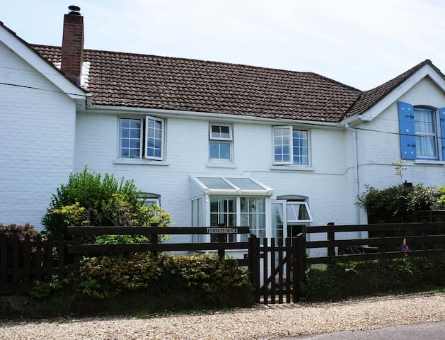 Heatherview: Pretty New Forest Holiday Cottage - Sway - Hus
