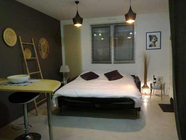 Chambre lit double - 2 pers. Clisson centre