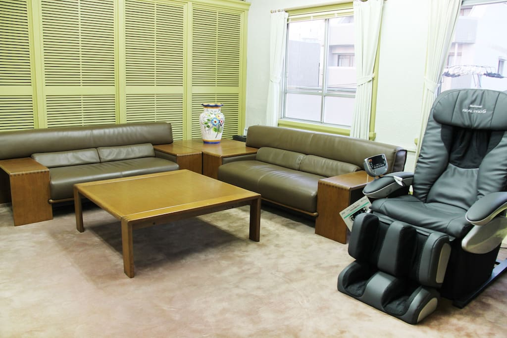 Theater room - Big sofa and Robotic massage chair