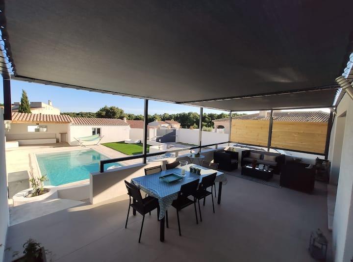 Maison au calme avec piscine et vue sur la pinède