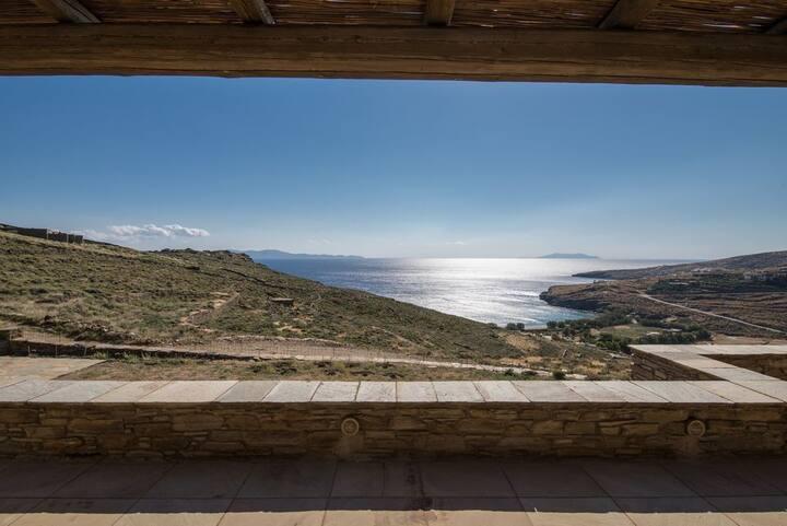 GRSHTIN301 - Elegant 4 Bedrm Elegant Seaview villa
